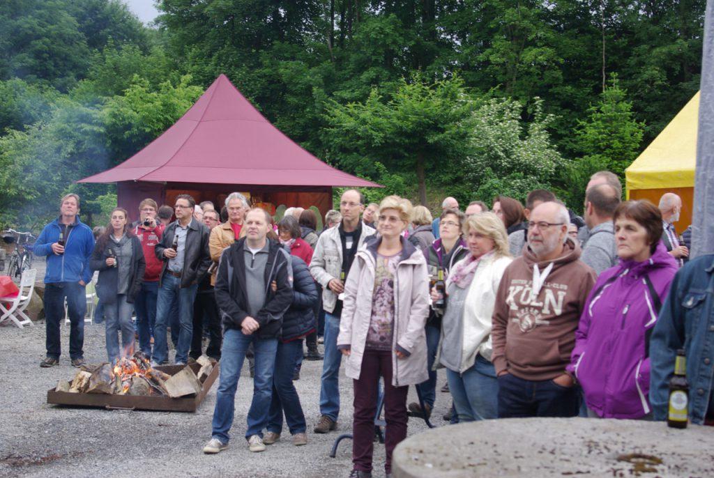 Rund 80 Gäste fanden sich zu dem Konzert an der Baumschule Meschede ein. Foto: Kultur Pur/Ulrich Bock