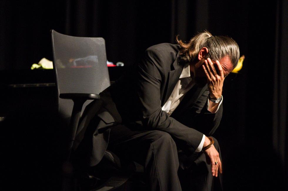 """Manchmal denkt auch der Kabarettist: """"Das darf alles nicht wahr sein."""" Foto: Kultur Pur/Ulrich Bock"""