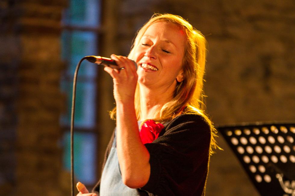 Jorinde Jelen singt Norah Jones. Foto: Kultur Pur/Ulrich Bock