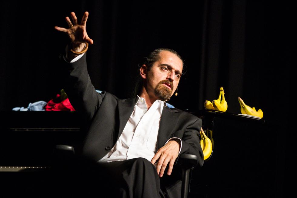 Hagen Rether mutet dem Publikum die ganze Wahrheit zu. Foto: Kultur Pur/Ulrich Bock