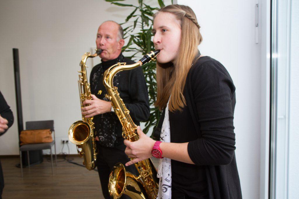 Frank und Vanessa am Saxophon.