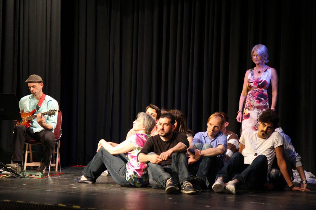 Die Darsteller erzählen von ihren Träumen.