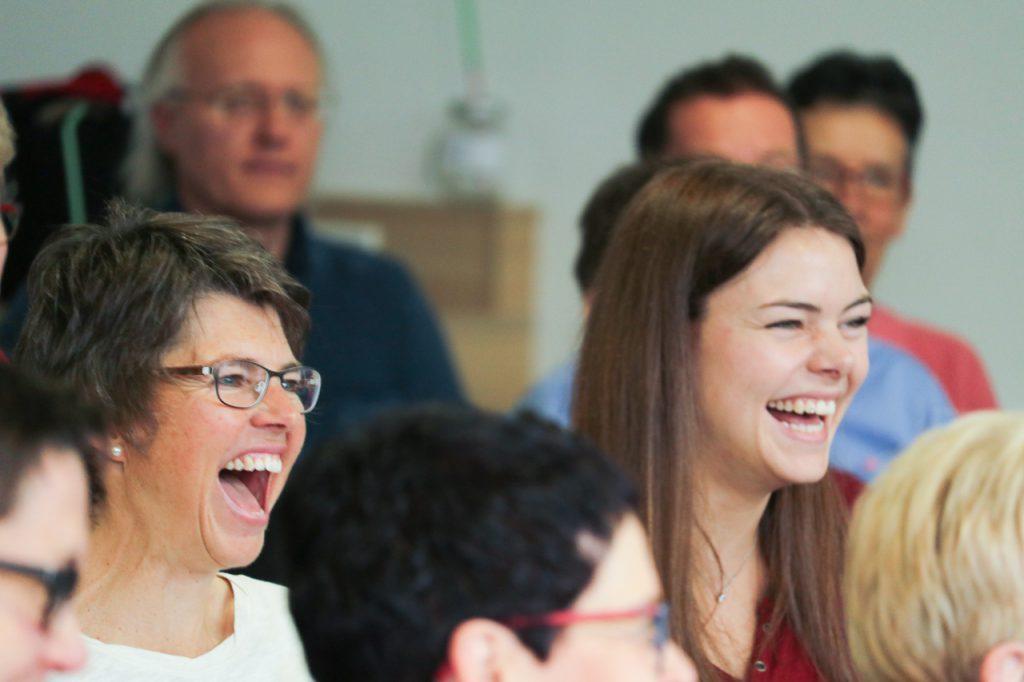 Immer wieder gibt es was zu lachen. Foto: Kultur Pur/Ulrich Bock