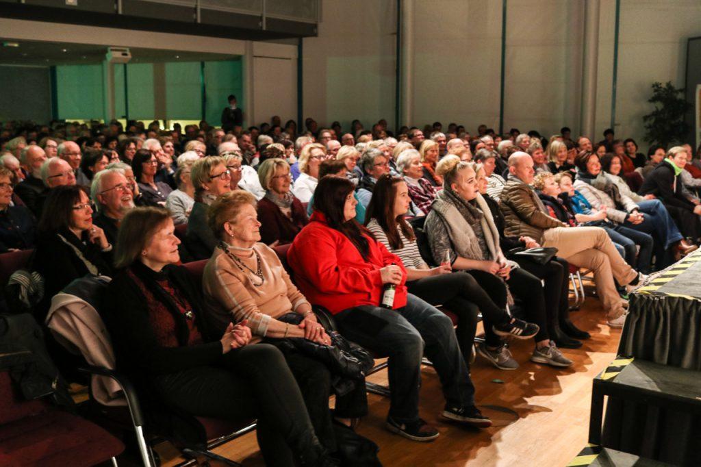 Auch am zweiten Premierenabend war das Publikum im ausverkauften Bürgersaal begeistert. Insgesamt kamen 800 Besucher.