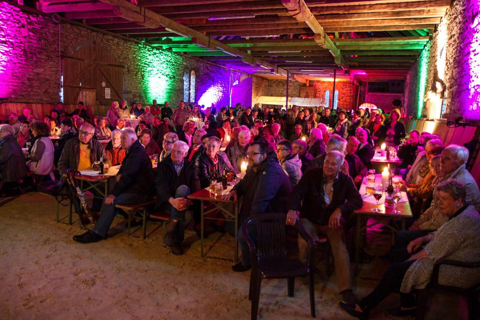 Die Reithalle in Ostwig wurde zum jazz-Club. Foto: Kultur Pur/Ulrich Bock
