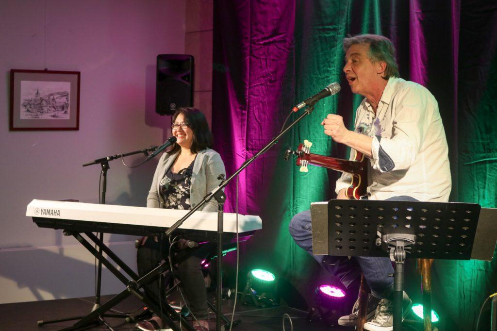 Agnes und Pit Schwaar danken dem Publikum für seine Begeisterung. Foto: Kultur Pur/Ulrich Bock