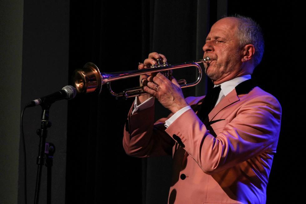 Der Mann am Vibraphon kann auch Trompete spielen. Foto: Kultur Pur/Ulrich Bock
