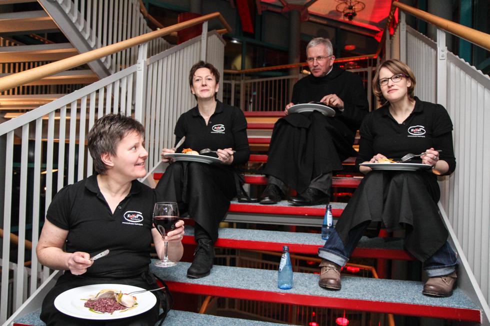 Pater Werner und Kultur Pur finden auch einen Platz. Foto: Kultur Pur/Ulrich Bock