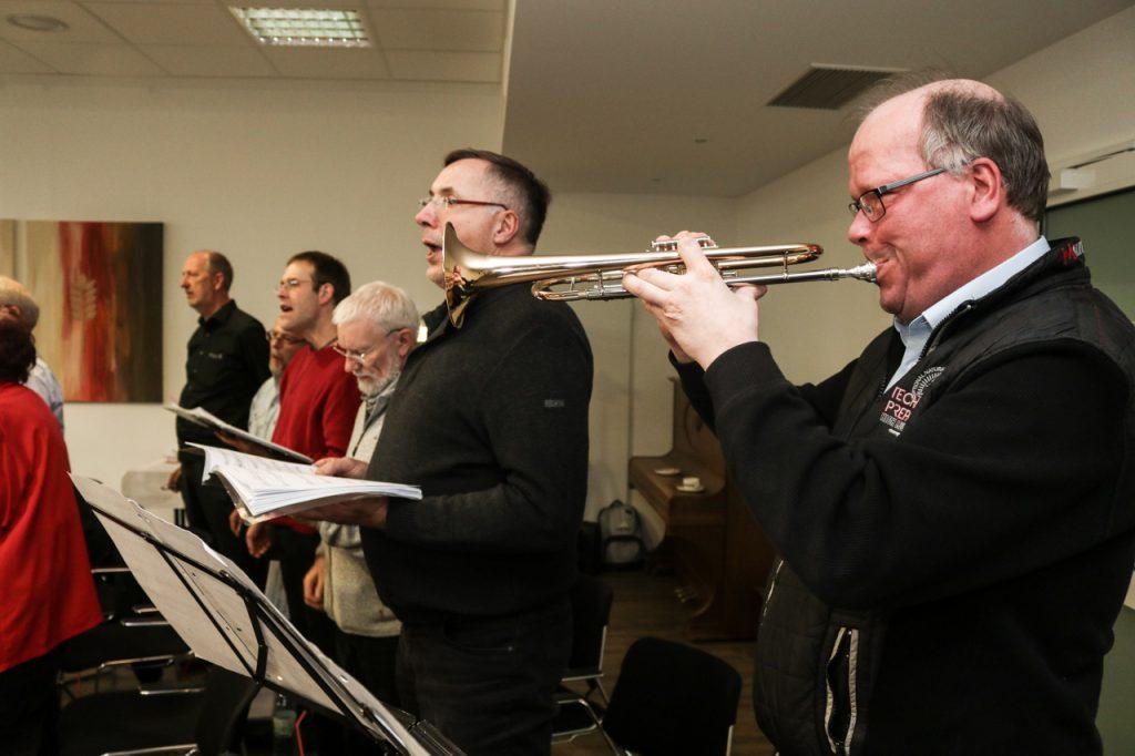 Martin hat wieder seine Trompete dabei. Foto: Kultur Pur/Ulrich Bock