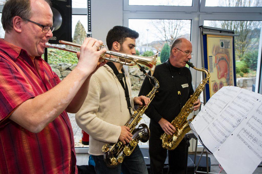 Auch zwei Saxophone sind dabei. Foto: Kultur Pur/Ulrich Bock