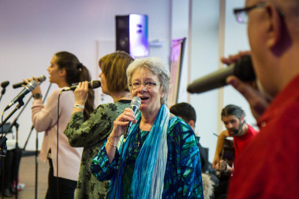 Ingrid unterstützt die Stimmen im Alt. Foto: Kultur Pur/Ulrich Bock