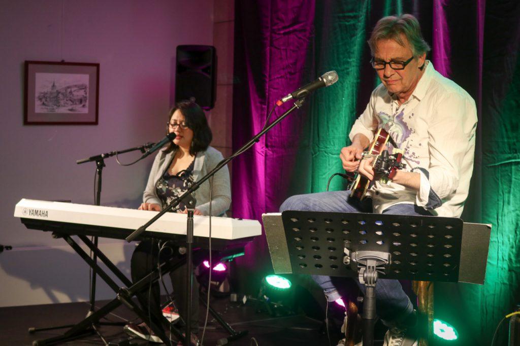 Agnes Haspari und Pit Schwaar verstehen sich auf der Bühne blind. Foto: Kultrur Pur/Ulrich Bock