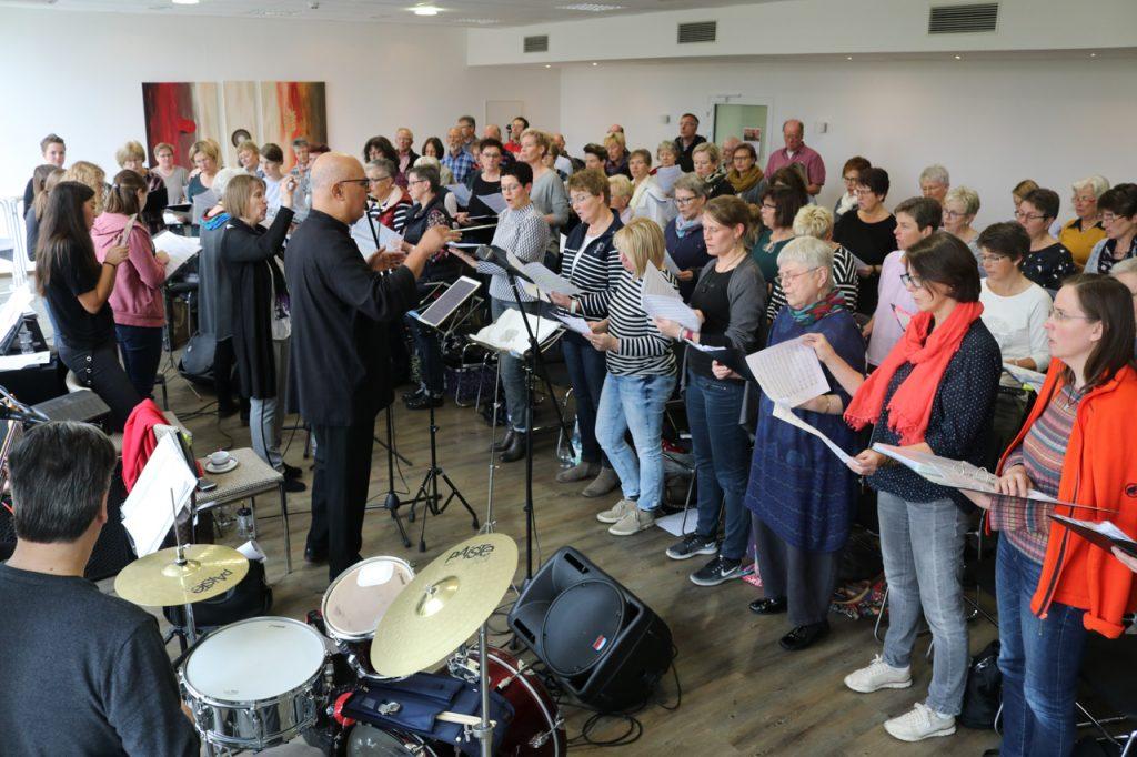 Wenn der Chor seine Stimmen erhebt, geht der Klang durchs ganze Kloster. Foto: Kultur Pur/Ulrich Bock