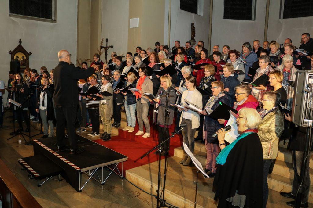 Der Ton passt - Soundcheck am Samstagabend in der Andreaskirche. Foto: Kultur Pur/Ulrich Bock