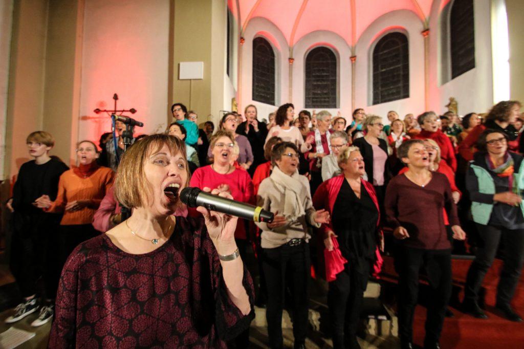 Beate gibt dem Sopran die Stimme vor. Foto: Kultur Pur/Ulrich Bock