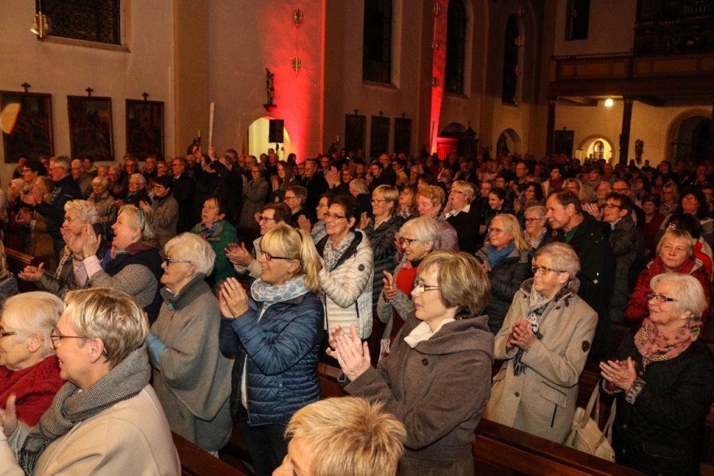 Am Ende gibt es viel Applaus. Foto: Kultur Pur/Ulrich Bock