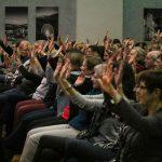 Auch das Publikum darf eine Lektion mitlernen. Mit ganz vielen Aahs und Oohs. Aber bitte schön synchron bleiben. Foto: Kultur Pur/Ulrich Bock
