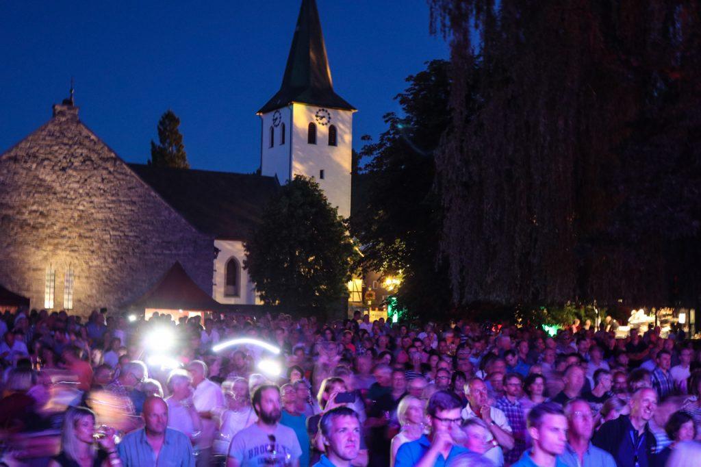 Partystimmung und Schmusestimmung wechseln sich ab. Foto: Kultur Pur/Ulrich Bock