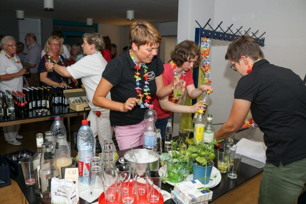 Die Cocktails waren in der Pause begehrt. Foto: Kultur Pur/Ulrich Bock