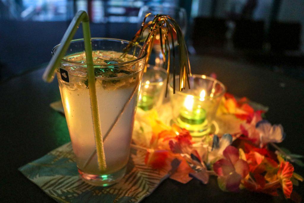 Es gab alkoholische und nicht-alkoholische Cocjtails. Foto: Kultur Pur/Ulrich Bock