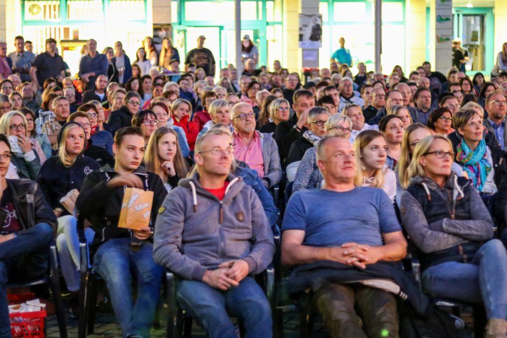 Mit 500 Besuchern wurden die Erwartungen übertroffen. Das waren mehr als bei den Vorstellungen an den Vorabenden in Medebach und Hallenberg zusammen. Foto: Kultur Pur/Ulrich Bock