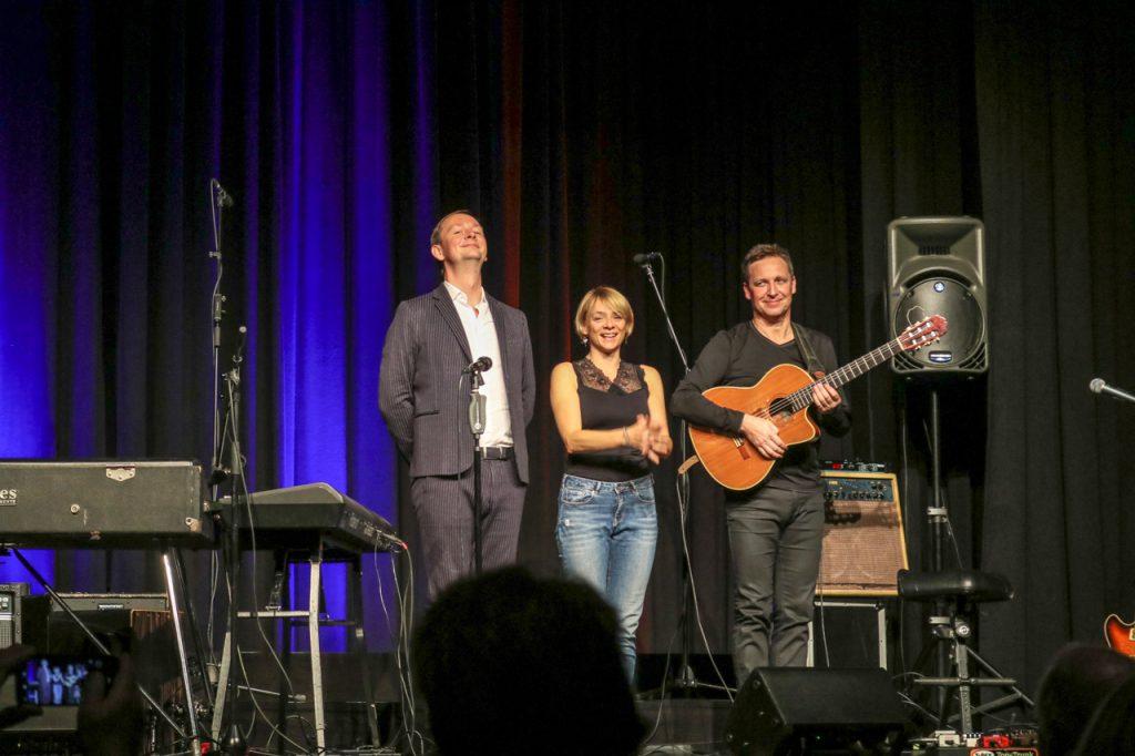 Das Trio bedankt sich beim Bestwiger Publikum. Kultur Pur/Ulrich Bock
