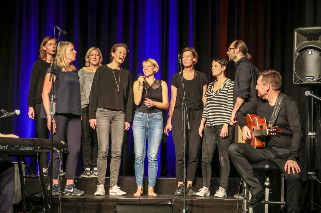 Das Arrangement zu Goethes Heidenröslein hatten Sängerinnen und Sänger aus Paderborn mitgebracht. Kultur Pur/Ulrich Bock