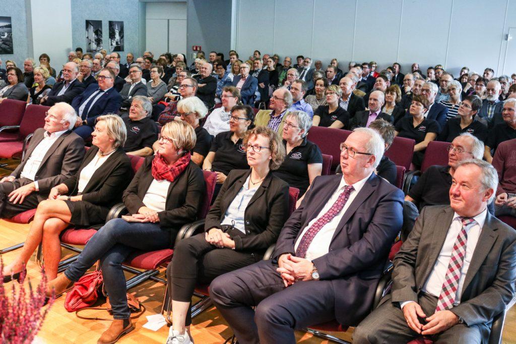 200 Besucherinnen und Besucher waren zu dem Doppeljubiläum ins Rathaus gekommen. Foto: Kultur Pur/Ulrich Bock