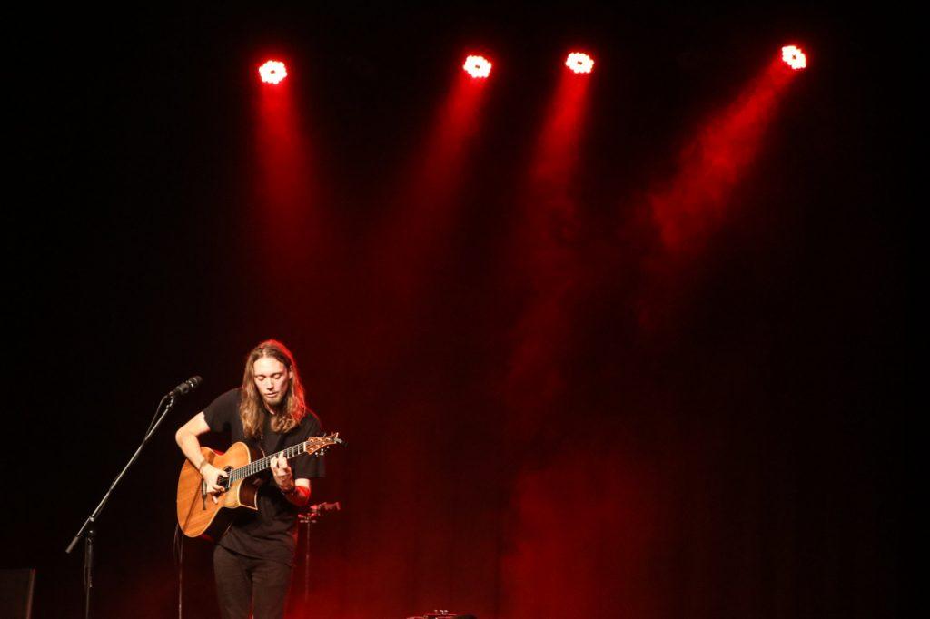 Viel unterwegs, widmet Dawes manche seiner Songs seiner Familie. Foto: Kultur Pur/Ulrich Bock
