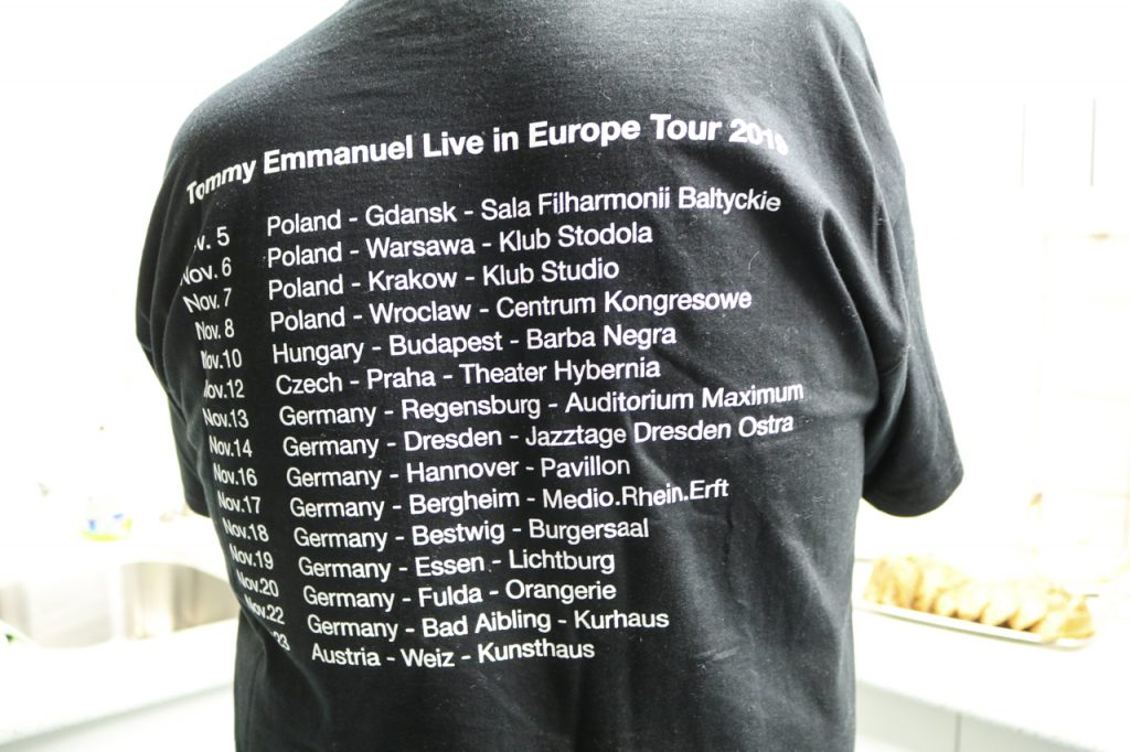 Das offizielle Tour-T-Shirt: Warschau, Budapet, Prag, Bestwig, Essen... Foto: Kultur Pur/Ulrich Bock